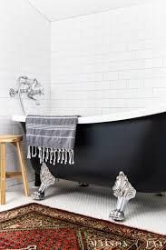 cool painted clawfoot tub - Google Search Clawfoot Tub Bathroom, White Bathroom, Master Bathroom, Bathtub, Cheap Home Decor, Diy Home Decor, Tub Refinishing, Black Tub, Acrylic Tub