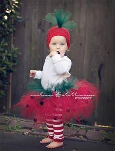 Disfraces #fresa #tutu          -alejandra castrejon-