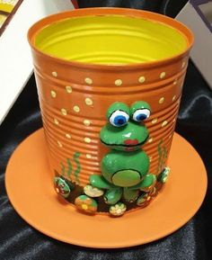 Clay Crafts For Kids, Tin Can Crafts, Clay Pot Crafts, Shell Crafts, Diy And Crafts, Diy Clay, Flower Pot Crafts, Flower Pots, Flower Frog