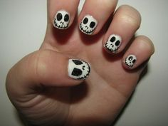 Jack Skellington faces for Halloween nails nails jack skellington Skull Nail Art, Skull Nails, Cute Nails, Pretty Nails, Nightmare Before Christmas Nails, Jack Skellington Faces, Halloween Nail Art, Halloween Ideas, Halloween Jokes