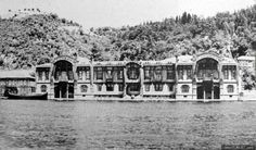 1897, Kuruçeşme. Nazime Sultan commissioned this yalı from Raimondo D'Aronco, the same architect who built the Egyptian Consulate in Bebek. After Çırağan palace burned down, the Meclis Mebusan met here. When the imperial family left Turkey, it was used as a storage facility (!), and eventually was torn down. The land was used for many years to store coal from the Zonguldak mines, and after 1980 was turned into Fora Park.