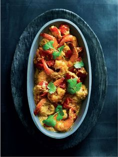 Immune-boosting king prawn curry recipe by Dale Pinnock - Put the onion, garlic and chopped chilli in a small blender or food processor and process to a fine purée. Get every recipe from The Medicinal Chef by Dale Pinnock Curry Recipes, Fish Recipes, Indian Food Recipes, Ethnic Recipes, King Prawn Curry, Dale Pinnock, Fusion Food, Fresh Coriander, How To Cook Quinoa