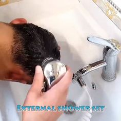 New Pictures Retrofit Bathtub Shower Set Suggestions Discoloration on Tops and curtains Deodorant stains or deposit on white T-Shirts and gray shaded cu Diy Bathroom, Bathroom Cleaning Hacks, Bathroom Faucets, Shower Hose, Bathtub Shower, Baby Shower, Bath Tube, Shower Head Holder, Room Deco