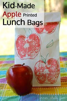 Kid-Made Apple Printed Lunch Bags to keep the kids busy & help prep for back-to-school. Are you ready for back-to-school? #weePLAN