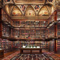 Morgan Library, New York Library Room, Dream Library, New York Library, Library Art, British Library, Home Library Design, House Design, Cozy Home Library, Design Desk