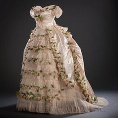In Pretty Finery on FB probably Germany Wedding ensemble worn by Elisabeth of Wied on her wedding to Prince Carol of Romania Silk satin, silk tulle, cotton and paper faux lilies of the valley Helen Larson Historic Fashion Collection Antique Wedding Dresses, Vintage Dresses, Vintage Outfits, Elisabeth Swan, Wedding Attire, Wedding Gowns, Victorian Fashion, Vintage Fashion, Vintage Glam