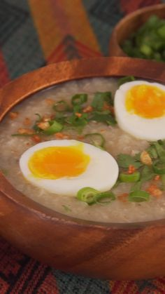 One bowl of this hearty Filipino rice and chicken soup feels like a hug from the inside. Filipino Soup Recipes, Filipino Desserts, Asian Recipes, Ethnic Recipes, Arroz Caldo Filipino Recipe, Pinoy Food Filipino Dishes, Philipinische Desserts, Caldo Recipe, Phillipino Food