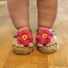 Crochet! I don't know which is more cute....the baby legs or sandals...