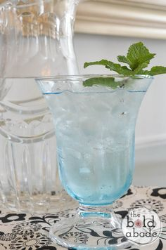 Stay cool this summer with this deliciously refreshing Peppermint Water. It's light and crips and oh, so tasty!