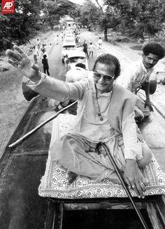 large image Rare Images, Rare Photos, Old Photos, New Movie Images, N T Rama Rao, Telugu Desam Party, Telugu Hero, Galaxy Pictures, Indian Star