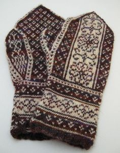 Ravelry: Project Gallery for Pembroke Mittens pattern by Heather Desserud