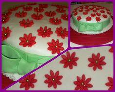 Torta Fiorellini rossi  Pasticciando con Irene