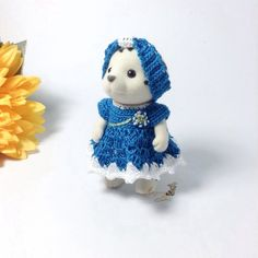 Calico Critters/ Sylvanian Families Crochet Clothes/ Outfit for Mother Made to Order by AmigurumiByMe on Etsy https://www.etsy.com/listing/264290756/calico-critters-sylvanian-families