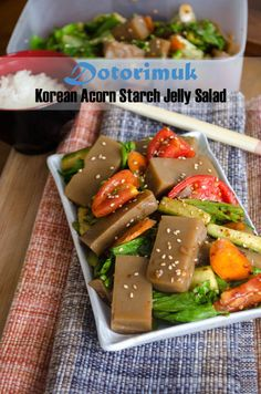 Dotorimuk {Korean Acorn Starch Jelly} Healthy Korean Recipes, Vegan Korean Food, Healthy Cooking, Vegan Recipes, Korean Dishes, Recipe Please, Good Food, Acorn, Jelly