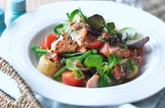 Salmon Niçoise with sun-dried tomato dressing