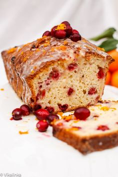 Flavourful and moist cranberry and orange loaf, ideal for your Christmas morning @Julia Frey |{Vikalinka}