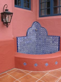 Talavera fountain inspirations. Mexican Style Decor, Mexican Hacienda Decor, Spanish Courtyard, Mexican Courtyard, Moroccan Garden, Garden Fountains, Wall Fountains, Pool Designs, Spanish Style