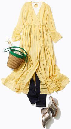 コットンシャツワンピースは活用度大! 私服やネイル、旅を紹介するインスタも大人気のスタイリスト山脇道子さんがルミネ新宿 ルミネ2のショップからナチュラル素材を使った春のコーデをご紹介!