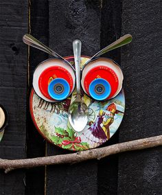 How to make recycled lid owls