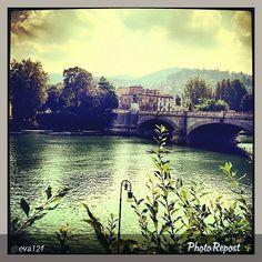 #Torino raccontata dai cittadini per #InTO Foto di @eva12f #buongiorno #torino #turin #instaturin #monday #goodmorning #goingtowork #vespa #torinodalvivo #torinoècasamia #fiume #river #8settembre
