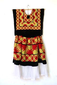 Vestido de Oaxaca, México, terciopelo con bordado cadenilla (T86). Tehuantepec…