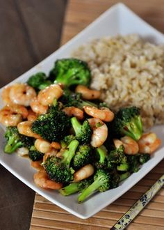 Stir-Fried Broccoli with Brown Rice (Meat Optional) Healthy Dinner ideas: Asian Broccoli Stir Fry (Didn't really have a board for this) Fried Broccoli, Broccoli Stir Fry, Asian Broccoli, Mushroom Broccoli, Broccoli Fritters, Broccoli Chicken, Seafood Recipes, Dinner Recipes, Cooking Recipes