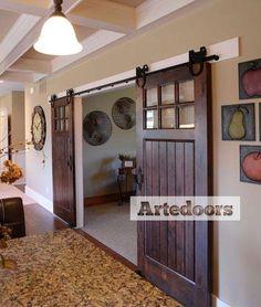 Kit herrajes puertas correderas rústicas; kit completo, para puertas correderas colgadas de madera, hasta 80 kg de peso visto.