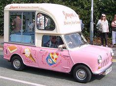 A vintage ice cream truck. Mini Camper, Antique Trucks, Vintage Trucks, Food Vans, Ice Cream Van, Food Truck Design, Vintage Ice Cream, Classic Chevy Trucks, Classic Cars