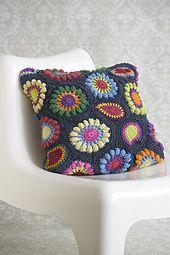 Ravelry: Retro Flower Cushion pattern by Jo Bodley