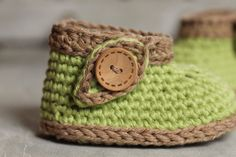 Baby Crochet Pattern Green Nature Boot green leaf por Inventorium