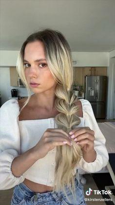 Hair Up Styles, Medium Hair Styles, Easy Hairstyles For Long Hair, Diy Hairstyles, Aesthetic Hair, Hair Videos, Hair Looks, New Hair, Hair Inspiration