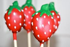 Strawberry Cake Pops by sweetpopsshop on Etsy Strawberry Cake Pops, Strawberry Shortcake, Golf Ball Cake, Biscuits, Sweet Carrot, Cute Snacks, Death By Chocolate, Cute Cakes, Creative Cakes