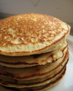 "LOW CARB ALMOND PANCAKES - Gluten-Free:  Makes 6 small fluffy pancakes, about 4"".    Combine all in a large bowl and stir briskly to form a batter:  2 cups (about 150-200g) ground almonds,  4 eggs,  1/2 cup water,  1 tsp olive oil,  1 or 2 tsp sweetener (depending on preference),  Salt to taste."