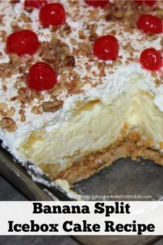 This banana split cake recipe is indescribably smooth and delicious. This is like no other Banana Split Icebox Cake you have had before! Banana Split Icebox Cake Recipe, Icebox Cake Recipes, Banana Split Dessert, Banana Dessert Recipes, Pound Cake Recipes, Köstliche Desserts, Lemon Icebox Cake, Pastry Recipes, Refreshing Desserts