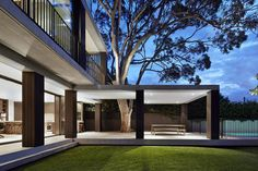 B.E. Architecture Designs Sydney Residence Extension About Mature Gum Tree - http://www.decoratingo.com/b-e-architecture-designs-sydney-residence-extension-about-mature-gum-tree/ #DecoratingIdeas