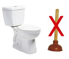 Secret Plumber's Trick to Unclog a Toilet without using a plunger! (Asking for plunger may not be as awkward as having your friend wonder what the heck are you doing taking a shower and using all their shampoo! Household Cleaning Tips, Diy Cleaning Products, Cleaning Solutions, Cleaning Hacks, Cleaning Supplies, Household Cleaners, Clogged Toilet, Clogged Drains, Tips & Tricks