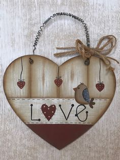 Arte Pallet, Macrame Plant Holder, Decoupage Art, Country Paintings, Heart Crafts, Hanging Hearts, Heart Decorations, Country Crafts, Frame Crafts