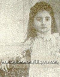 NAİLE SULTAN 1884 - 1957 Sultan Abdulhamid 13 eşinden , 17 evlat sahibi olmuştur. Sultan Abdulhamid'in dokuz  Kızından beşi