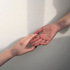 Ten Ways To Naturally Heal Bruises! on We Heart It Gore Aesthetic, Aesthetic Grunge, Bruises Aesthetic, Draco Malfoy, Heal Bruises, Tumblr, Aesthetic Pictures, Find Image, It Hurts