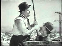 Dick und Doof (Laurel und Hardy) als Schornsteinfeger. Stan and Ollie as chimney sweeper.