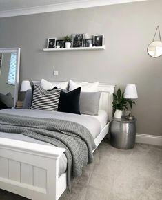 Grey Bedroom Colors, Modern Grey Bedroom, Grey Bedroom Decor, Room Design Bedroom, Room Ideas Bedroom, Home Bedroom, Grey Bed Room Ideas, Grey Bedroom Walls, Small Grey Bedroom