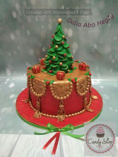 Cake kersmas - cake by Dalia abo hegazy Christmas Themed Cake, Christmas Cake Designs, Christmas Cake Decorations, Christmas Cupcakes, Holiday Cakes, Christmas Candy, Christmas Desserts, Christmas Treats, Christmas Baking