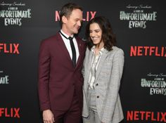 """Neil Patrick Harris Photos - Neil Patrick Harris (L) and Allison Williams attends the Netflix Premiere of """"A Series of Unfortunate Events"""" Season 2 on March 2018 in New York City. - Netflix Premiere of 'A Series of Unfortunate Events' Season 2 Kit Snicket, Les Orphelins Baudelaire, Count Olaf, Allison Williams, Neil Patrick Harris, A Series Of Unfortunate Events, Matthew Mcconaughey, Victoria Justice, Meryl Streep"""