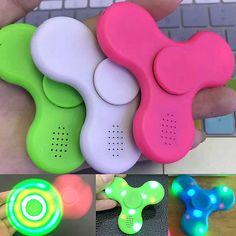 Novo Alto-falante Bluetooth Led Light Relief Mão movimento brusco Edc Mão Spinner Gyro Toy