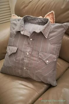 Memory Pillow From Shirt, Memory Pillows, Memory Quilts, Old Shirts, Dad To Be Shirts, Shirt Quilt, Shirt Pillows, Pillows From Shirts, Diy Pillows