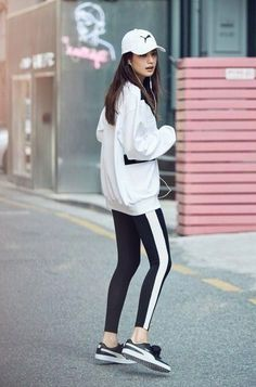 My Top Active Fashion Picks From 2019 Visit for more women's athleisure outfits summer athletic fashion spring sports s Athletic Fashion, Athletic Outfits, Sport Outfits, Summer Outfits, Athletic Clothes, Yoga Fashion, Sport Fashion, Fitness Fashion