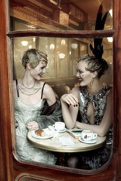 Paris in the 20's at a cafe
