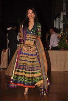 Bridal couture on full display with Esha Deol's big Bollywood wedding and Manish Malhotra's charity show Bollywood Bridal, Indian Bollywood, Bollywood Fashion, India Fashion, Ethnic Fashion, Asian Fashion, Ethnic Chic, Indian Dresses, Indian Outfits