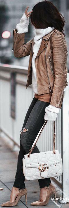 Si vous aimez veste cuir femme , vous aimerez sûrement idées. Tendances mode  hiver 2019 ... 48023579a1a