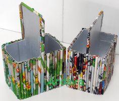 Andairadas: Portalápices hecho con rollitos de papel Cool Paper Crafts, Newspaper Crafts, Fairy Crafts, Book Crafts, Old Magazine Crafts, Diy Crafts And Hobbies, Diy Plastic Bottle, Jute Crafts, Newspaper Basket